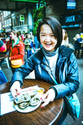 Street Side Oysters at Borough Market with Tutor Yuet Ling, edukate Singapore.